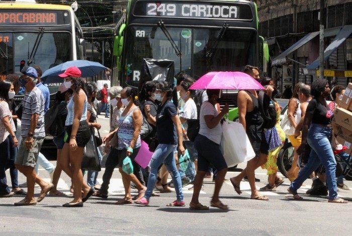 Aglomeração no Centro do Rio. Na foto, Avenida Passos