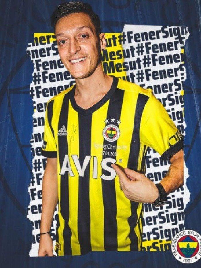 O alemão Ozil trocou o Arsenal, da Inglaterra, pelo Fenerbahce, da Turquia, numa operação sem custos