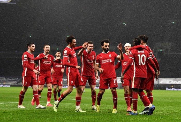 Liverpool gastou cerca de R$ 2,4 bilhões com salários
