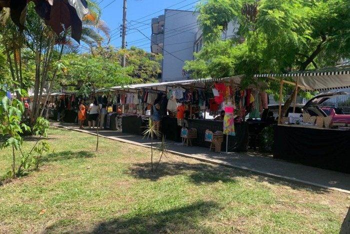 Feira Fashion Ilha, na Praça da Ribeira, na Ilha do Governador, Zona Norte do Rio