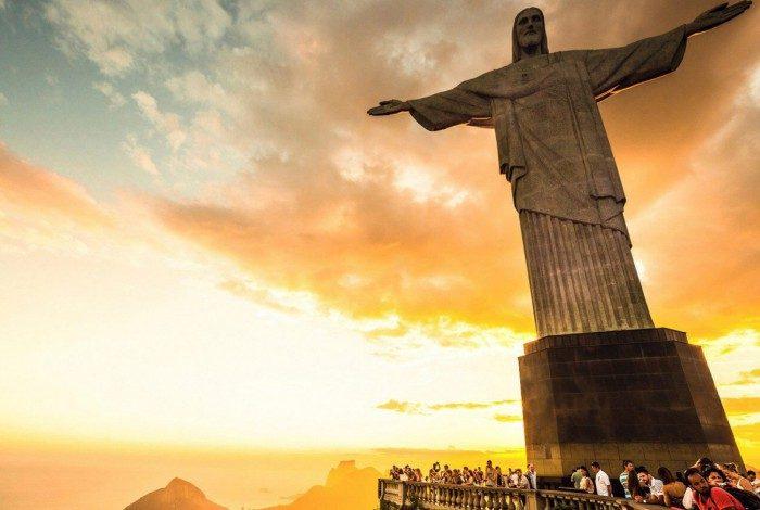 O Redentor estará de braços abertos para os turistas.