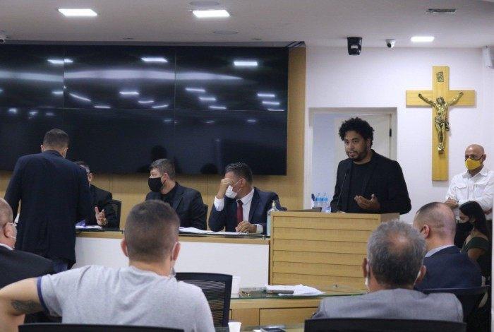 Régis apresenta PL da Transparência da Vacinação no plenário gonçalense