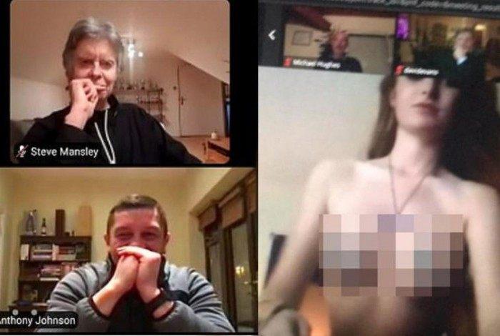 Reunião de time é invadida por Stripper