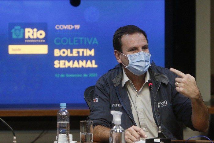 Prefeito Eduardo Paes disse que vai retomar cronograma de vacinação de imediato