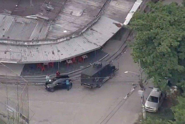 Polícia Militar faz operação na Cidade de Deus