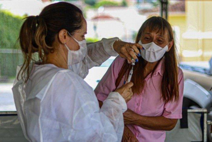 Prefeitura de Petrópolis reforça controle de protocolo de vacinação