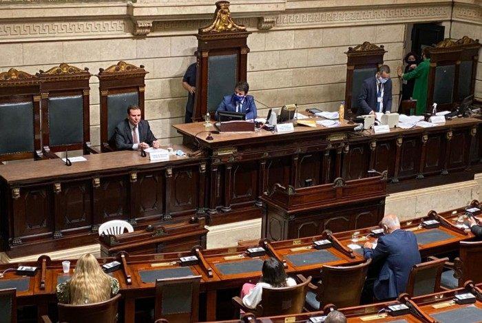 Paes participou da cerimônia de abertura do ano legislativo na Câmara Municipal do Rio nesta quinta-feira