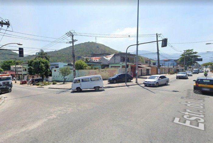 Cruzamento entre Estrada do Taquaral e Estrada do Engenho, em Bangu