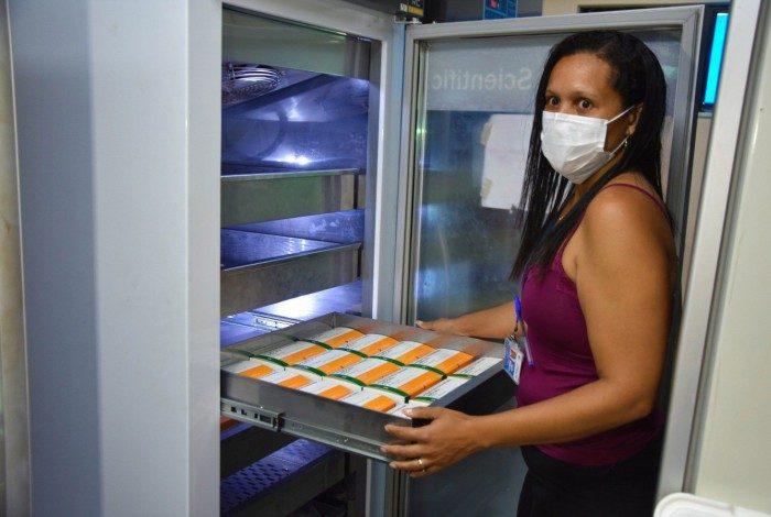 O lote se destina aos grupos prioritários que já receberam a primeira dose, para garantir a eficácia da imunização
