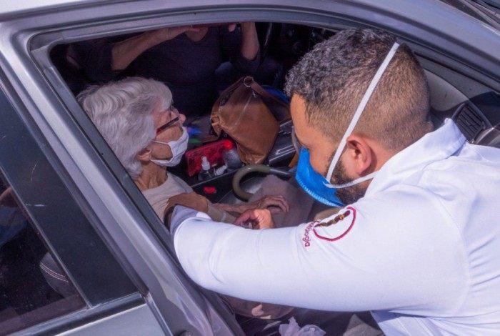 Secretaria de Saúde planeja concluir a vacinação de acamados acima de 85 ano até sábado