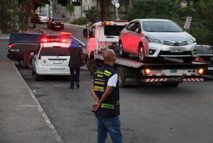 'As operações de combate às irregularidades de trânsito vão continuar por toda a cidade', garantiu o subsecretário municipal de Transportes, Fábio Lemos