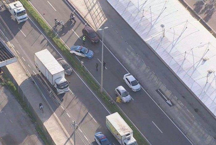 Ciclista morre atropelado na Avenida Salvador Allende