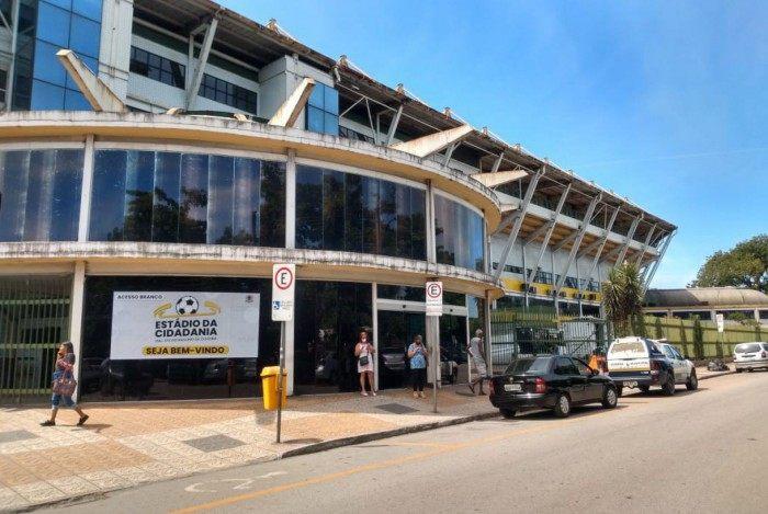Estádio da Cidadania, o Raulino de Oliveira abriga também a Policlínica