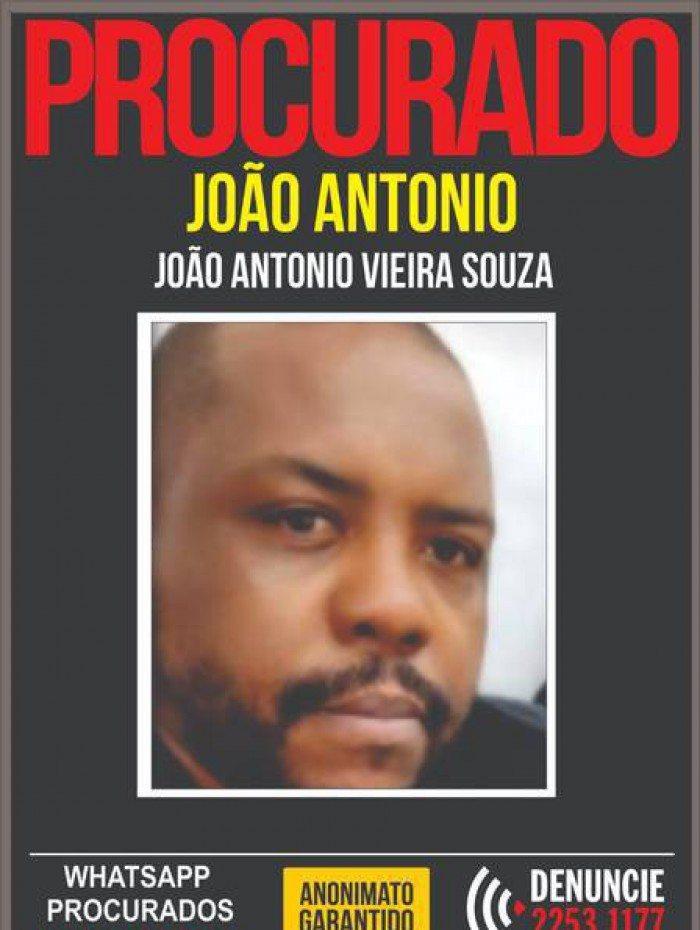 O lutador João Antonio Vieira de Souza, de 40 anos, está foragido