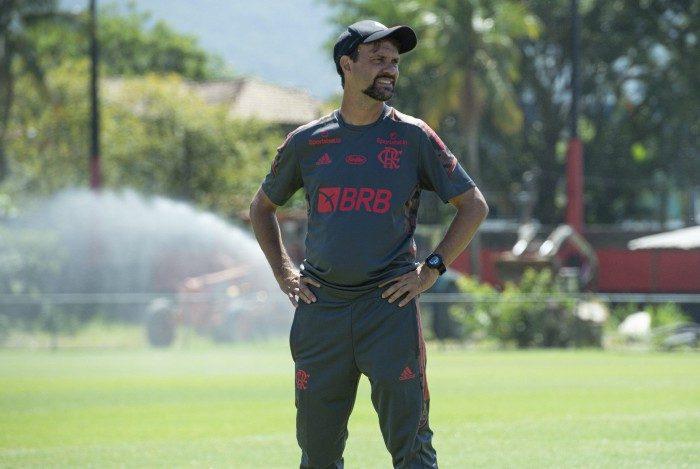 Maurício Souza durante treinamento do Flamengo no Ninho do Urubu