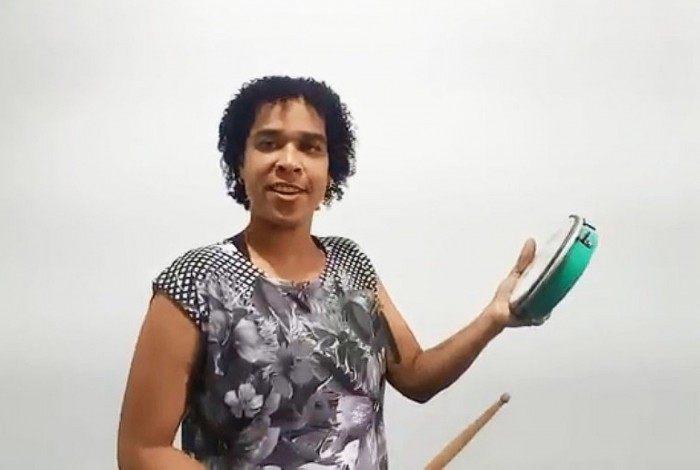 No primeiro final de semana os vídeos vão mostrar oficinas de biscuit, artesanato, instrumentos de percussão e um pouco da história do samba