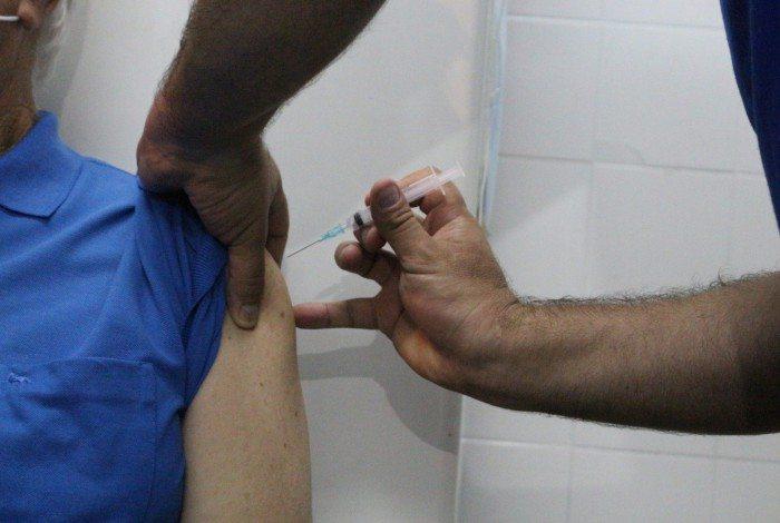 Cadastro permitirá que o município elabore um cronograma para aplicação da primeira dose da vacina