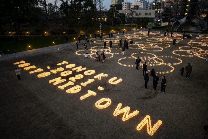 Japoneses prestam homenagem às vítimas dos último grande terremoto no país, que completa 10 anos
