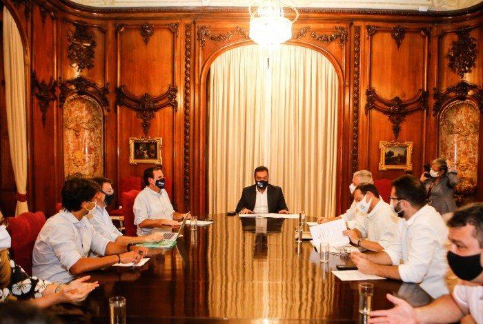 Governador se reuniu com o prefeito do Rio, Eduardo Paes, e o prefeito de Niterói, Axel Grael, no Palácio Laranjeiras