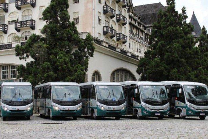 Motoristas de ônibus ameaçam entrar em greve nesta segunda-feira (22) em Petrópolis
