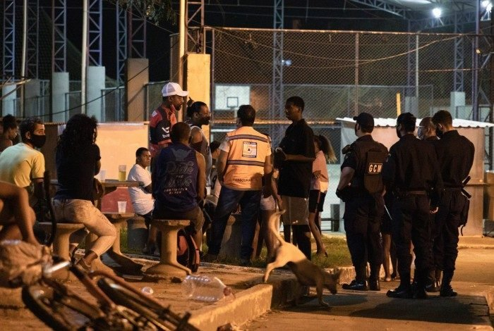 Equipes percorreram 10 bairros na noite de ontem (19)