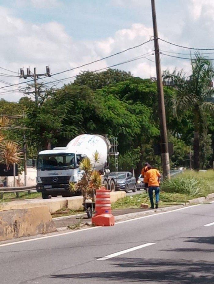 Serviços de limpeza e manutenção são realizados nos bairros de Volta Redonda