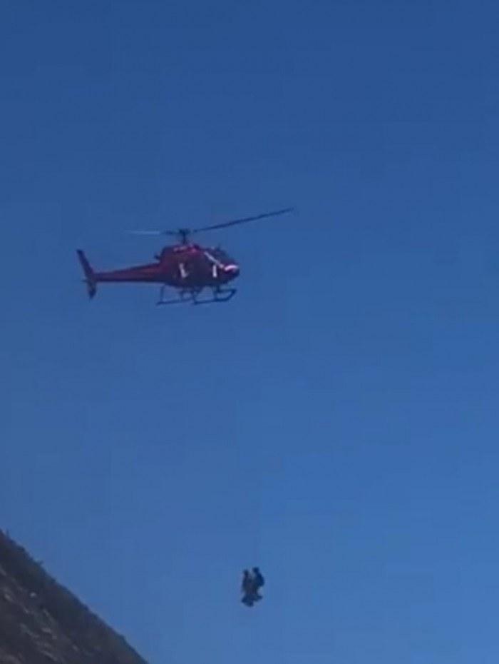 Escaladores são resgatados no Costão de Itacoatiara, em Niterói