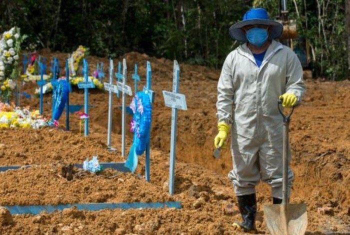 País vem batendo tristes recordes durante a pandemia do novo coronavírus