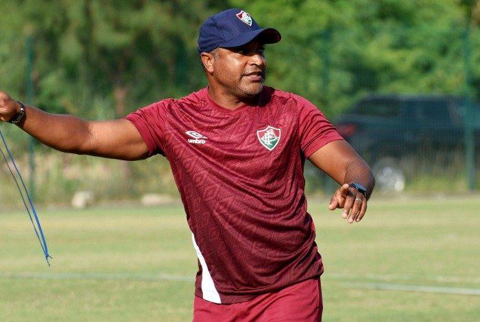 Roger Machado no treino do Fluminense