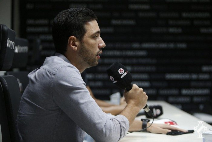 Responsável pela reformulação do Vasco, Passáro avaliou cerca de 300 nomes entre os cinco reforços anunciados até o momento