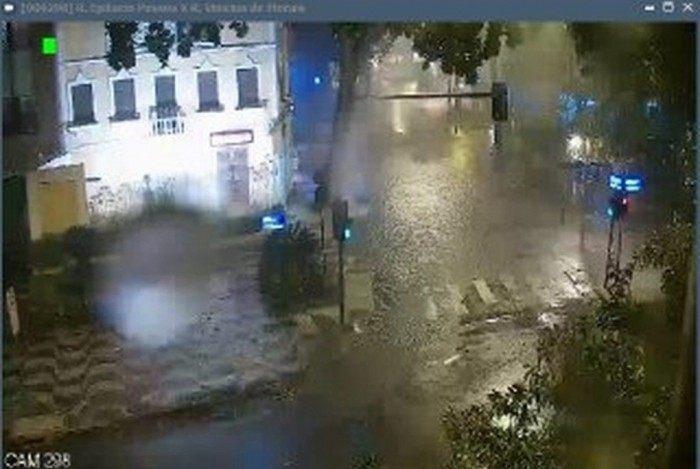 Temporal no Rio registra queda de árvores, ventania e até chuva de granizo