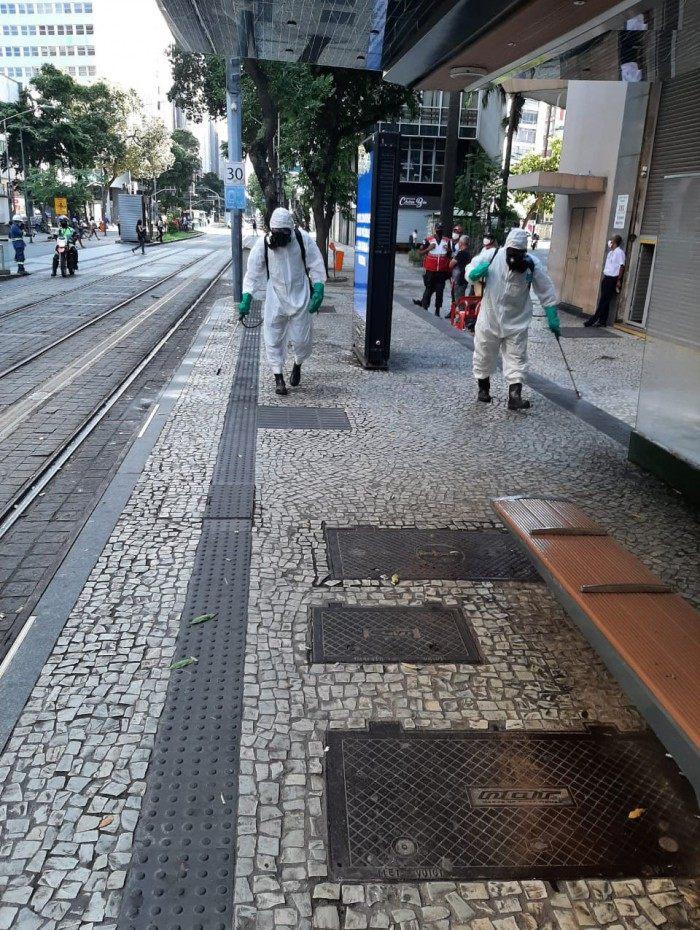 A ação é realizada por profissionais das Forças Armadas em parceria com a Prefeitura do Rio e o Governo do Estado.