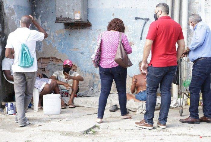 Muitos dependentes químicos e mendigos não concordam com o encaminhamento de volta às suas residências ou para comunidades terapêuticas e abrigos