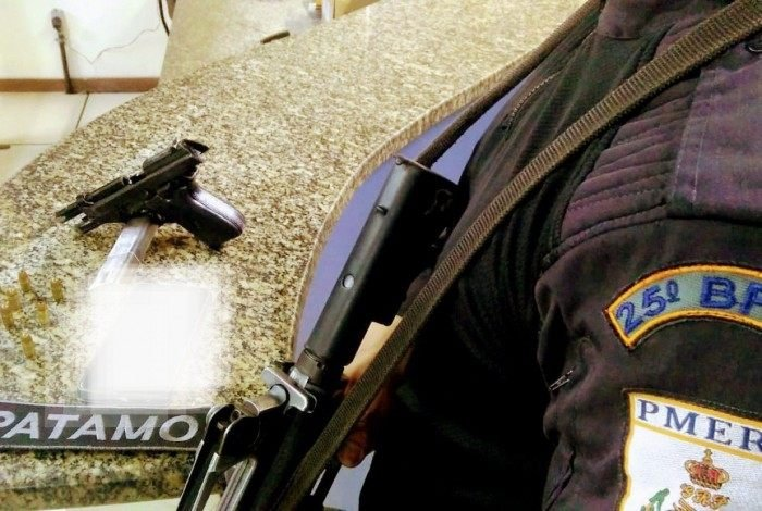 Polícia Militar apreende dois menores com uma pistola em Búzios