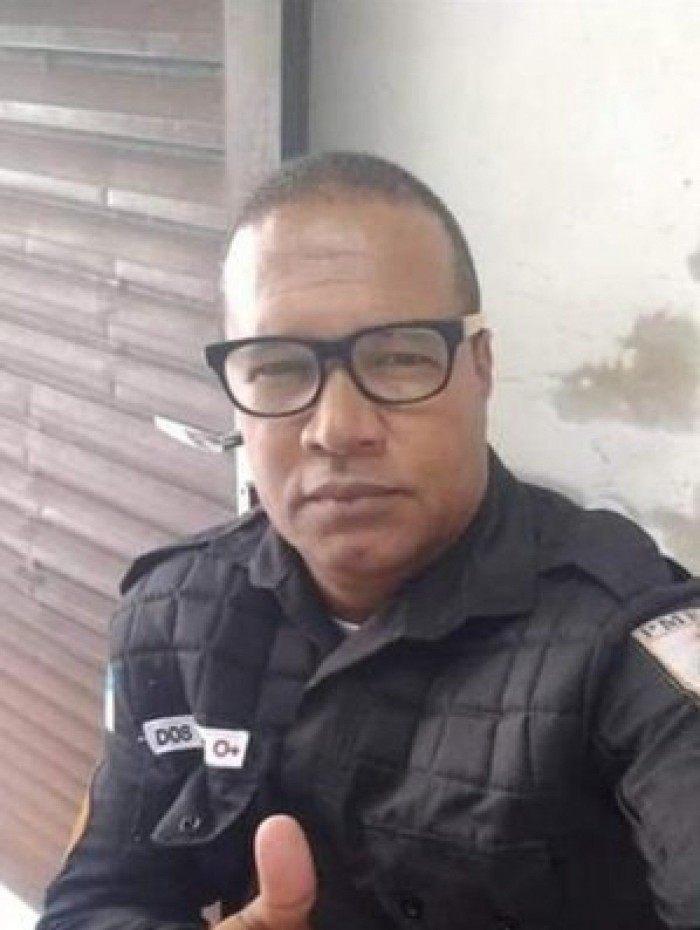 O agente foi morto com tiros de fuzil.