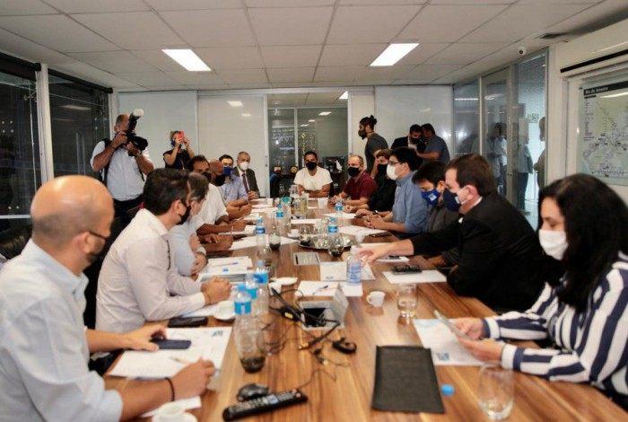 Reunião sobre melhorias no BRT com o presidente da Câmara do Rio, Carlo Caiado (DEM), a Comissão de Transportes e o prefeito Eduardo Paes