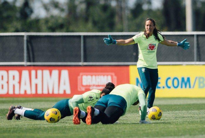 Referência no UGD Tenerife Aline Reis é a estrangeira com maior número de jogos na Liga Espanhola