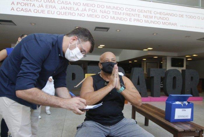 Secretário Municipal de Saúde, Daniel Soranz, participa de inauguração de posto de vacinação no Imperator