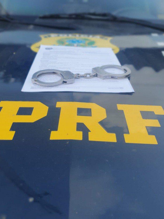 PRF descobriu que homem era procurado na Paraíba por adulterar veículo