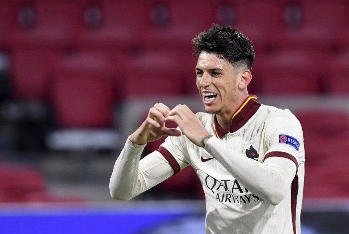 Conhecido pela característica ofensiva no Fluminense, Ibañez mostrou qualidade no gol de voleio que garantiu a vitória da Roma sobre o Ajax