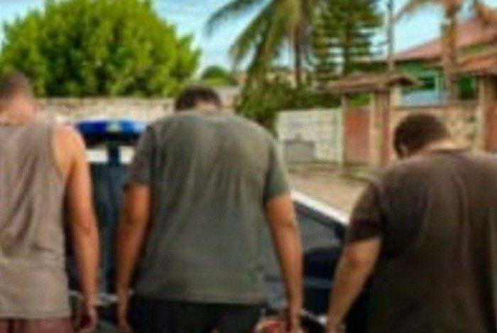 Conforme a polícia, os três presos possuem diversas passagens por furto de veículos, receptação, associação criminosa, organização criminosa, bem como outros crimes