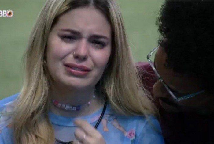 Viih Tube chora muito após eliminação de Thais