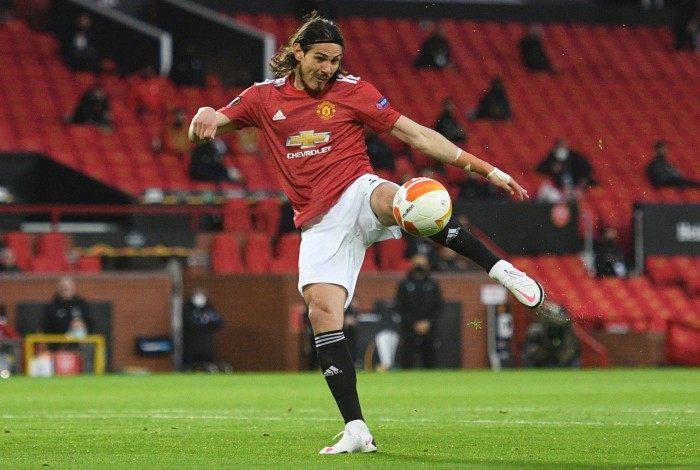 Cavani marcou belo gol pelo Manchester United na Liga Europa
