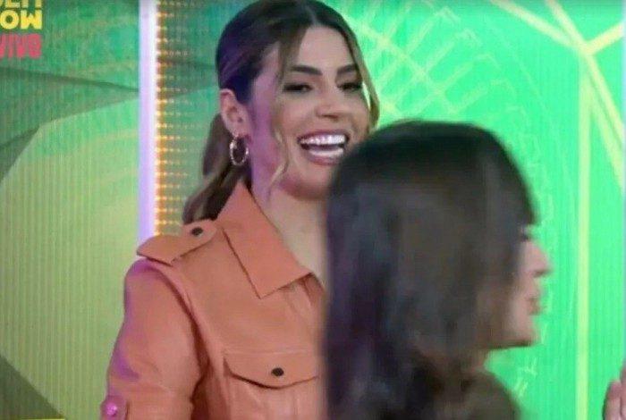 Thais interrompe merchandising de Vivian Amorim ao vivo no programa 'A Eliminação', do Multishow