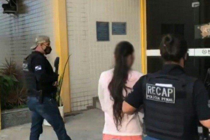 Foragida da Justiça presa em Rio das Ostras é natural de Teresópolis
