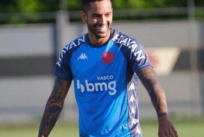 Sétimo reforço do Vasco para 2021, Rômulo chega com o aval de Marcelo Cabo e acirra a disputa no meio de campo