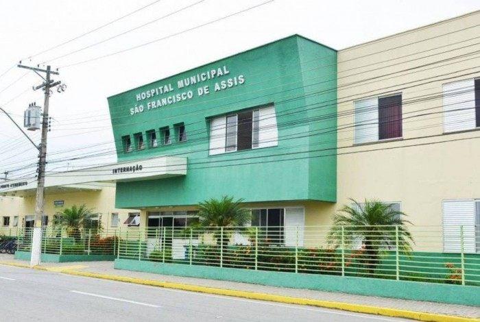Menina foi intubada no Hospital Municipal e transferida para Resende.