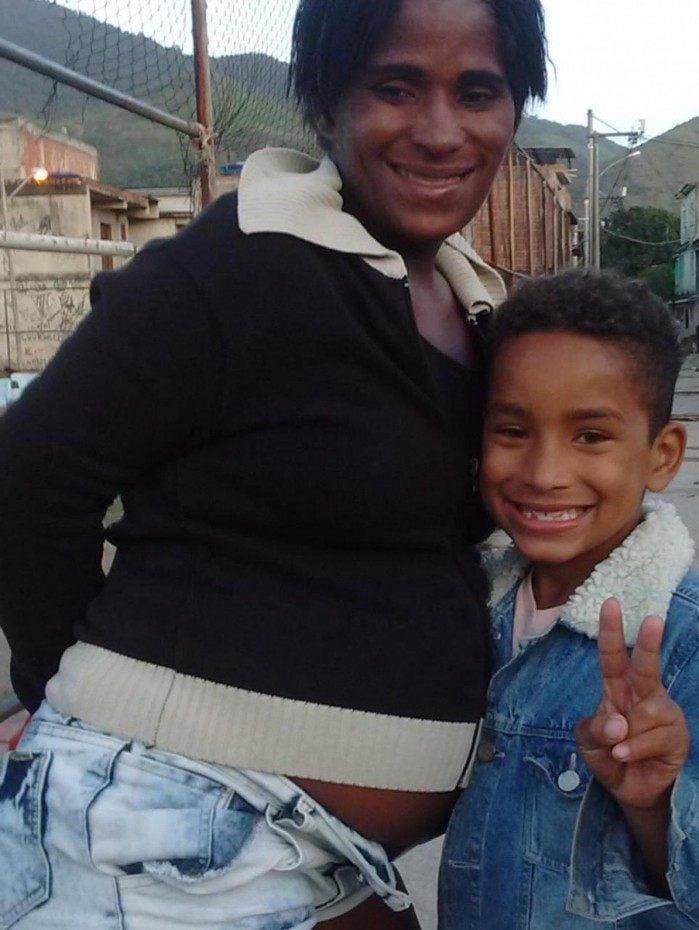 O corpo do menino Kaike Leonarno, de 11 anos, foi encontrado após buscas feitas pelos bombeiros na manhã desta segunda (19). Ele morreu afogado no rio Sarapuí, em Mesquita, na Baixada Fluminense.