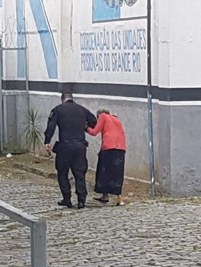 Equipe jurídica do gabinete do vereador Luiz Ramos Filho (PMN) acompanha o caso da idosa Therezinha da Silva Moraes, de 88 anos, presa em flagrante