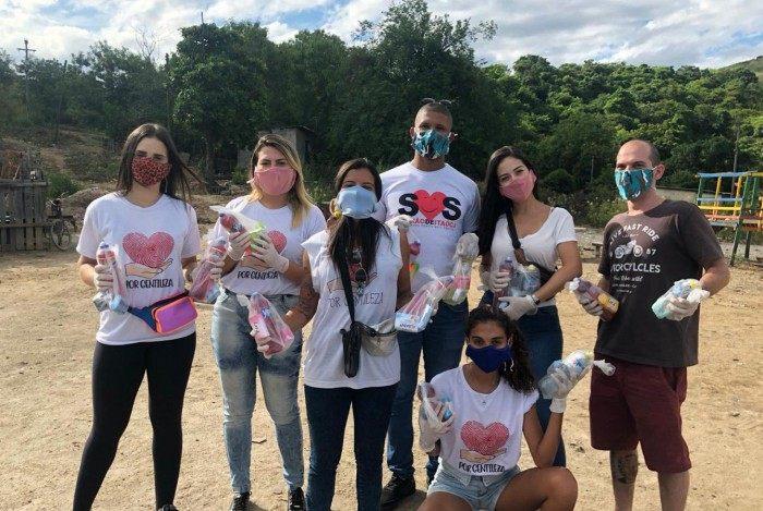 Iniciativa 'Por Gentileza' atua há 5 anos em Itaoca, distribuindo alimentos, material escolar e eletrodomésticos